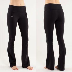 LULULEMON | Black Recognition Luon Flare Pants 6